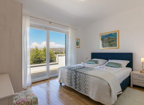 Beautiful bedroom in Villa Makarac